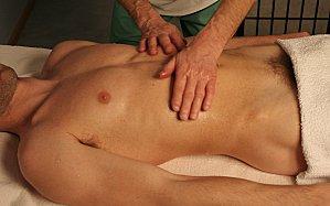 massage naturiste entre homme Croix